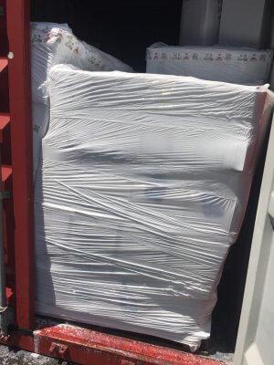 Rỏ rỉ nước xả vải trong container - 12