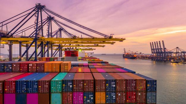 Lưu ý nhập khẩu mùa cao điểm
